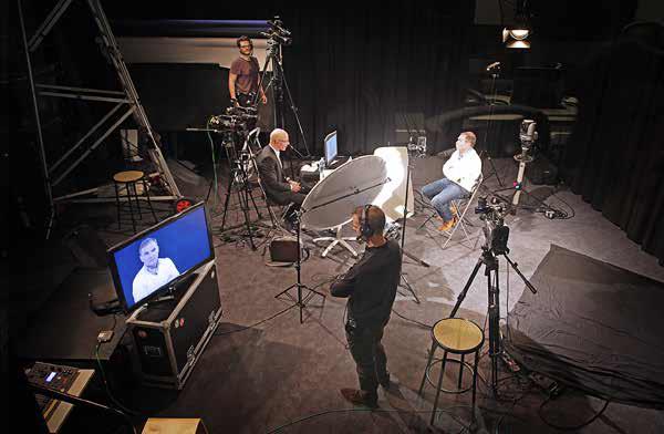 Préparation des entretiens dans le studio de l'Université Rennes 2.